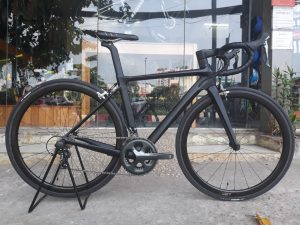 3876_Xe-dap-dua-Pinarello-DogMa-167-F10-5800-Supper-Team-Full-Carbon-Black-Red