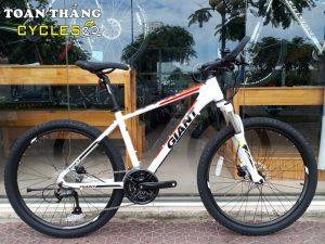 3085_13974_Xe_dap_the_thao_GIANT_ATX_720_2019_Trang_do