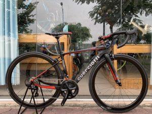 3881_Xe-dap-dua-Guerciotti-Cartesio-105-R7000-Full-Carbon-Black-Red