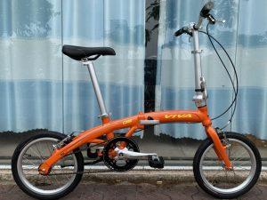 4056_Xe-dap-gap-Viva-Q6-2020-Orange