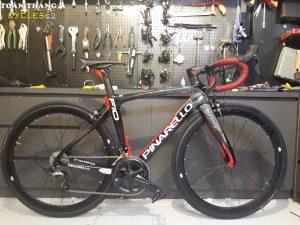 4262_Xe-dap-dua-Pinarello-F10-Black-Red-R8000-SpeedX